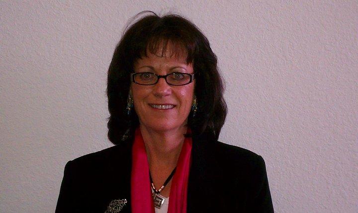 Kathy Halbardier Headshot